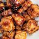 Honey tempeh stir fry on a plate.