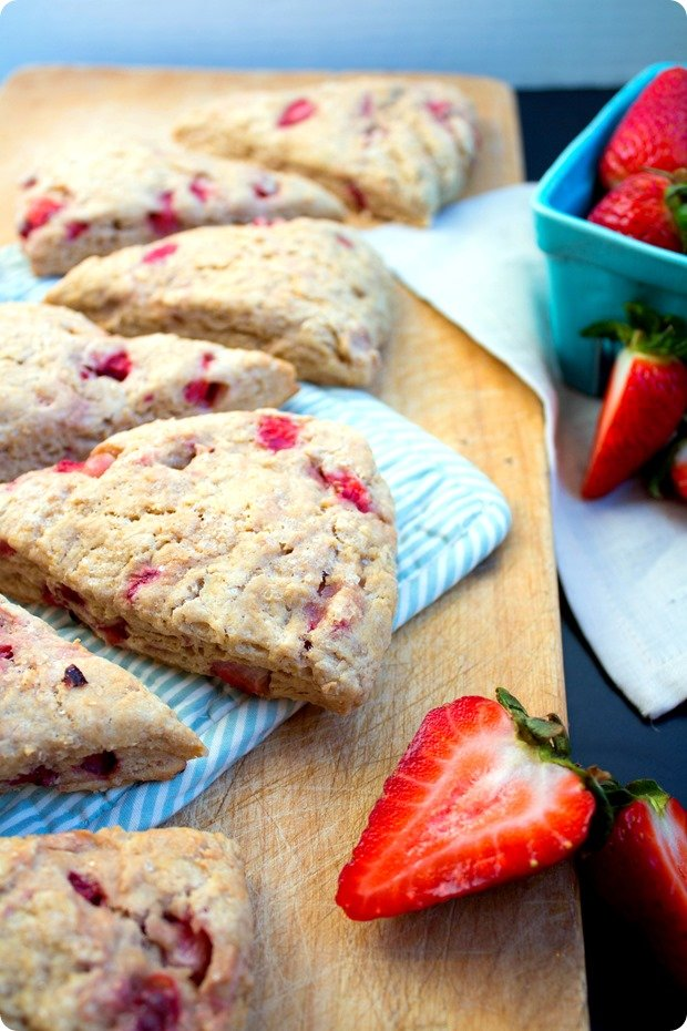 Vegan stawberry scones